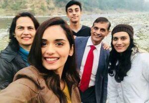 Manushi Chhillar Family, Caste, Religion and Boyfriend