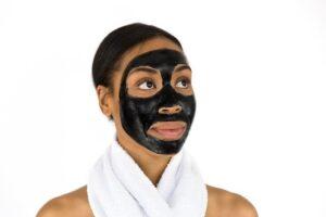 Use face maskfor clear skin