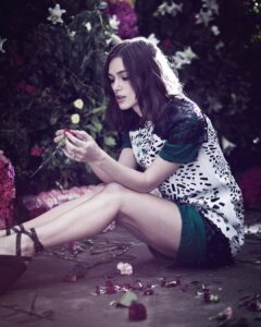 Keira Knightly have beautiful legs