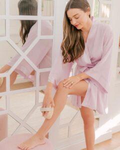 Miranda Kerr have beautiful legs